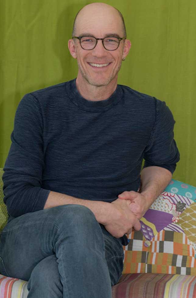 Andrew Bond, Musiker/Liedermacher